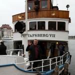 Tack till er alla som var med igår och gjorde dagen minnesvärd! Tack till er alla som hjälp till med planering, förberedelser och arbete på plats - det blev mycket lyckat! Nu seglar vi in i nästa sekel - sponsorbåten Gustavsberg VII innan middagen.
